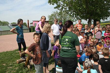 Regelmäßig besuchen uns größere Kindergruppen im Tierheim.